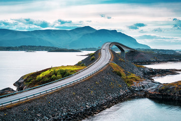 Zelfklevend Fotobehang Bruggen Norwegian atlantic road bridge