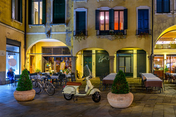 Fotomurales - Night view of street in Padua (Padova), Veneto, Italy.