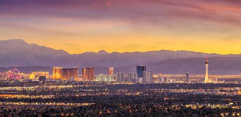 Fotobehang Las Vegas Panorama cityscape view of Las Vegas at sunset in Nevada