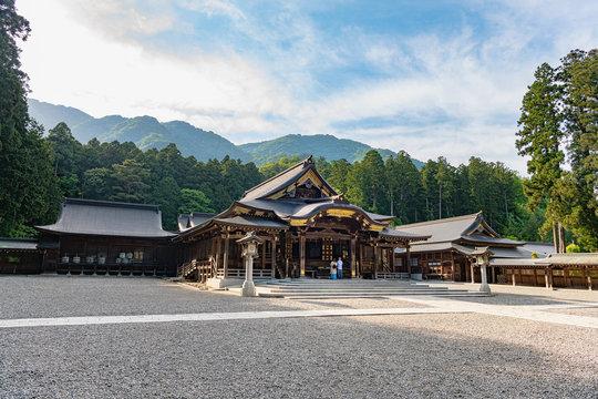 神社 弥彦 日本人が1位に選んだ!弥彦神社は不思議の多いパワースポット
