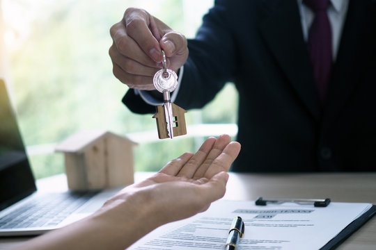 Home buyers are taking home keys from sellers. Sell your house, rent house and buy ideas.
