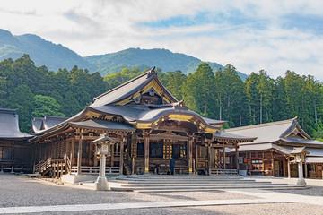 新潟 弥彦神社 拝殿