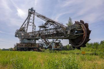 Stillgelegter Schaufelradbagger im Tagebau Senftenberg in der Lausitz