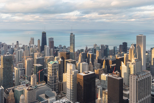 USA, Illinois, Chicago, View from Willis tower over Chicago