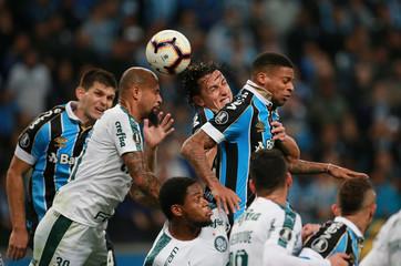 Copa Libertadores - Quarter Final - First Leg - Gremio v Palmeiras