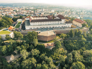 Die Burg und Festung Spielberg in Brünn von oben, Tschechische Republik