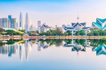 Foto op Canvas Kuala Lumpur Kuala Lumpur skyline. Located in Taman Tasik Titiwangsa, Kuala Lumpur, Malaysia.
