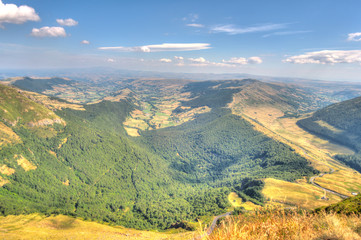 Foto auf Leinwand Olivgrun Panorama from the Puy Mary mountain, Cantal, France