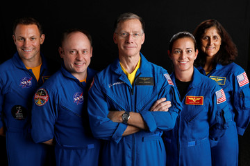 Boeing astronaut Chris Ferguson poses for a picture with NASA commercial crew astronauts SunitaWilliams and Josh Cassada and his Star Liner crew astronauts Nicole Mann and Mike Fincke at the Johnson Space Center in Houston