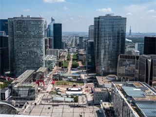 vue des immeubles de La Défense, centre d'affaires de paris