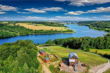 Kaszuby-widok z Ręboszewa na jezioro Brodno Małe
