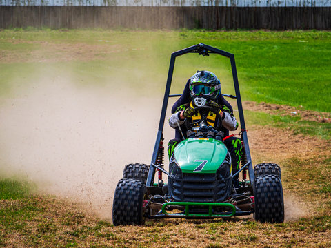 Lawn Mower Race with Tuned engines which cut the grass with their wheels only