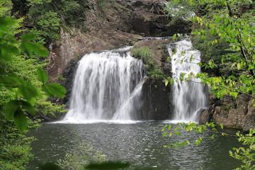 三ツ滝 国の特別名勝に指定される三段峡最大の滝