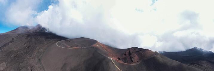 Vista panoramica sul cratere del Vulcano Etna in Sicilia Fototapete