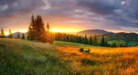 Mountain landscape Fotobehang