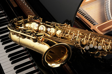 saxophone on grand piano