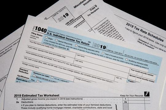 015-tax_forms-studio-24aug19-12x08-008-400-4032