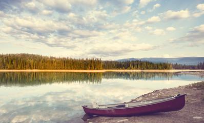 Foto op Canvas Beige Lake in Canada