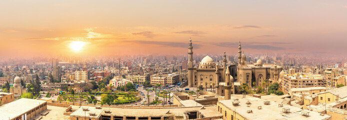 Foto op Canvas Afrika Mosque-Madrassa of Sultan Hassan in the sunset panorama of Cairo, Egypt