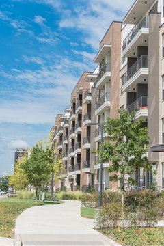 Exterior view of new luxury apartment community near Dallas, Texas