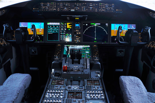 Cockpit of a widebody commercial aircraft