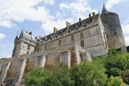 Vue en contre plongée du Château de Châteaudun, Eure-et-Loir, France