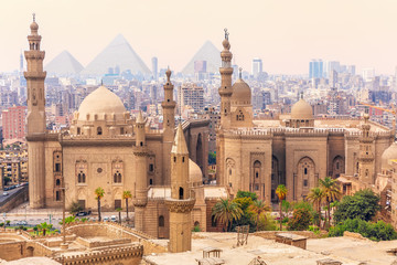 Mosque-Madrassa of Sultan Hassan in the Old city of Cairo, Egypt Papier Peint
