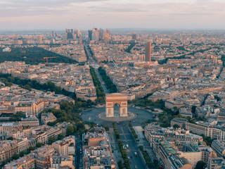 Poster de jardin Paris Aerial of the Arc de Triomphe in Paris, France
