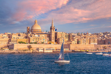 Valletta Skyline from Sliema at sunset, Malta Fototapete