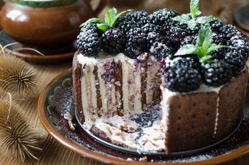 Cake without baking with curd cream and blackberry