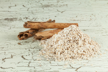 oat flakes with cinnamon sticks
