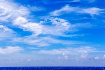Foto op Plexiglas Hemel blue sky and sea