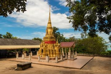 Golden stupa in the temple Wat Sila Ngu, Jaidee (Chedi Sila Ngu) on Koh Samui, Surat Thani, Thailand.