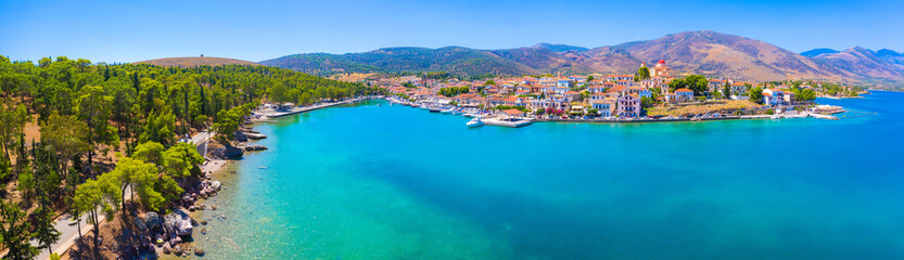 Poster Mediterraans Europa Scenic aerial view of Galaxidi village with colorful buildings, Greece