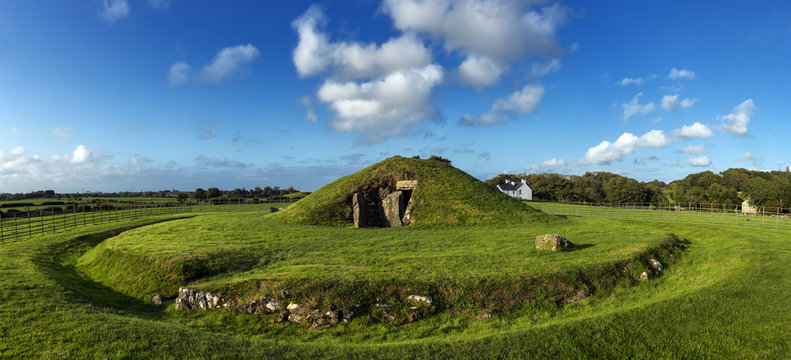Bryn Celli Ddu, Neolithic Burial Chamber on the Isle of Anglesey in North Wales, UK.