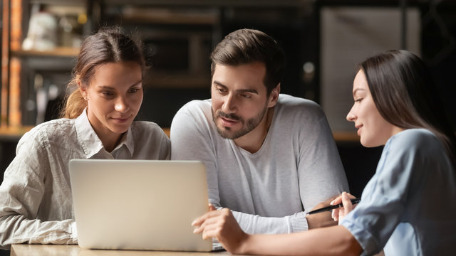 Female insurance mortgage broker consult couple showing online presentation