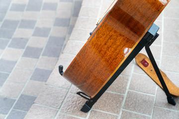 バイオリン・ギター/楽器のイメージ