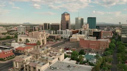 Fotomurales - Cloudy Skies Aerial Perspective Downtown City Skyline Tucson Arizona