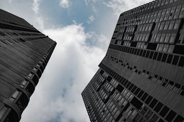 Bottom view of modern skyscrapers over cloudy sky in Kuala Lumpur, Malaysia Fototapete