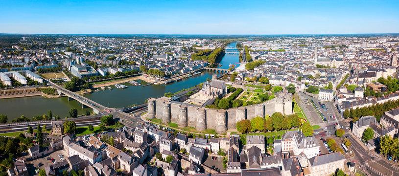 Angers : photos, illustrations, vecteurs et vidéos libres de droits | Adobe Stock
