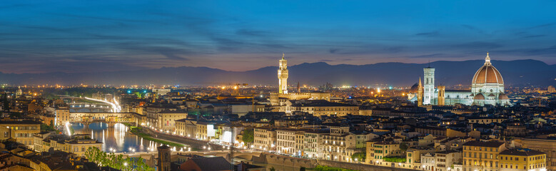 Fotomurales - Panorama of Skyline of Historical city Florence, Tuscany, Italy at dusk