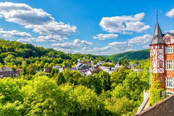 Blick über Gemünd Richtung Urfttal in der Eifel