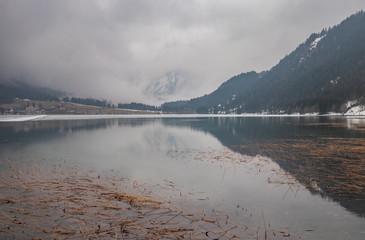 Fototapeten Camping The lake Haldensee in winter, Austria