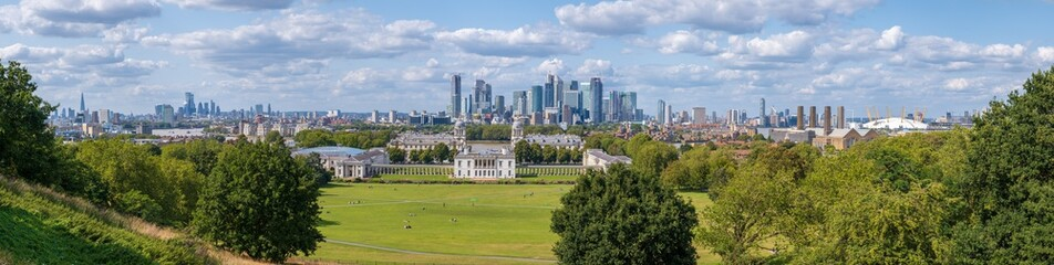 High resolution 100 MP panorama of Greenwich Park, Camary Wharf and the City of London