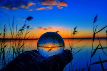 Türaufkleber Dunkelblau Sunset with lensball