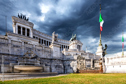 Wall mural National Monument to Victor Emmanuel II, Altar of the Fatherland or Altare della Patria in  Piazza Venezia, Rome, Italy.
