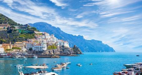 Deurstickers Mediterraans Europa Beautiful Amalfi on hills leading down to coast, Campania, Italy