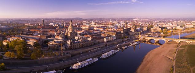 Dresden - Panorama der Elbe, Blick zur Inneren Altstadt