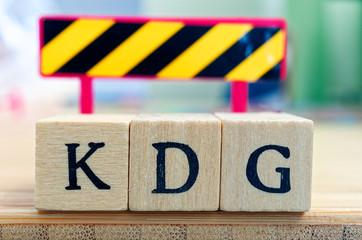 Buchstaben mit in deutsch KDG Katholisches Datenschutzgesetz in englisch Catholic data protection law