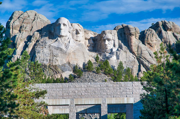 Fototapete - Amazing view of Mount Rushmore on a wonderful summer day, South Dakota